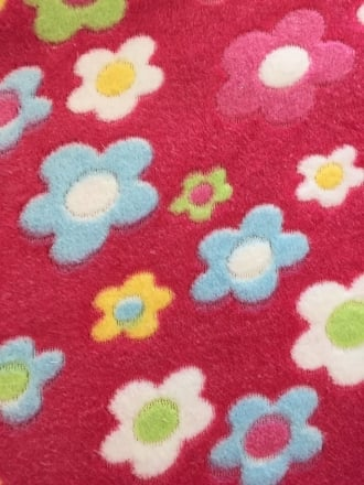 Micro Fleece Ultra Soft Fabric- Daisies Cerise/Multi MF CRSMLT