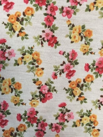 100% Viscose Stretch Material- Pink/Orange Daisy Q734 IVMLT